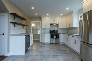 Beautiful Fully Renovated Rancher close to all amenities