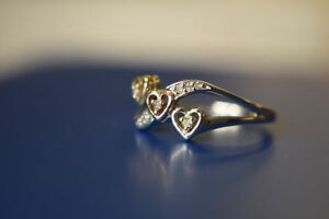 .10K Ring with Rose, White+Yellow Gold Hearts+Diamonds*