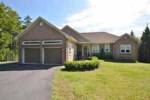 53 Majesty Court Kingswood  on large lot