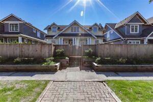 Charming Character 5 to 6Brs+4 Bath+Den+Rec House@Kerrisdale