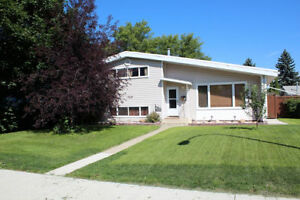 Beautiful 4 bed 2 bath Home! By West Edm Mall! 16106 – 87a Ave