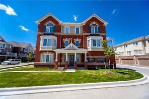 BEAUTIFUL TOWNHOUSE FOR SALE IN MILTON $698,000