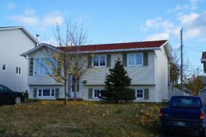 3BR Main Floor Apartment house in Grandy Crescent, Mount Pearl