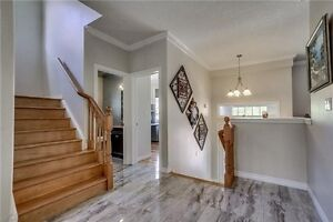 Spacious & Bright 4 Beds,4 Bath Detached House In Waterloo Cambridge Kitchener Area image 2