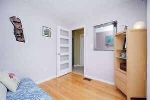 Bright & Cozy Freehold Town Home In Rathwood X5175830 MR26