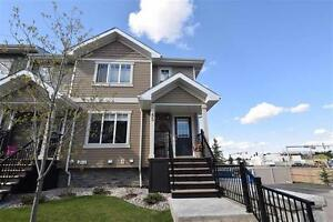 REDUCED! 3 Bdrm END UNIT Townhouse w Glass Walls!!