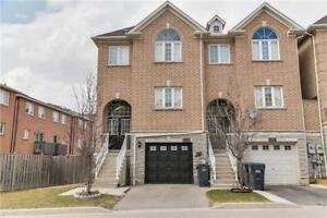 Beautiful Sunfilled 4BR Townhouse Located In Mississauga
