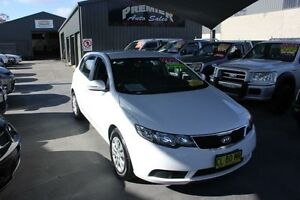2012 Kia Cerato TD MY12 S White 6 Speed Automatic Hatchback Mitchell Gungahlin Area Preview