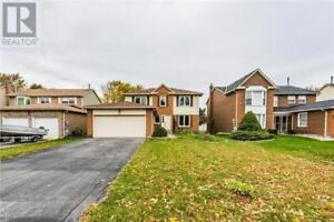 49 EVES CRT Newmarket, Ontario