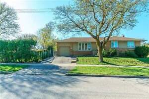WOW!! A Beautiful Family Home In Prime Toronto Nbhd!! 3 Bdrms!!