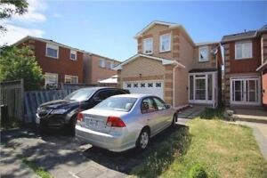 HOUSE FOR LEASE NEAR MARKHAM AND SHEPPARD