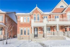 Gorgeous Arista Built 3 Yrs Freehold Large Size Townhouse