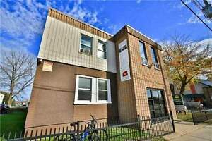 Beautiful 3-BEDROOM apartment for lease at Queenston&Eastchester