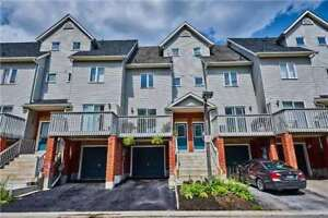 LOVELY 3 BR TOWNHOME IN *PRIME* PICKERING!