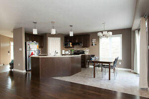 Amazing Huge 5 Bedroom With A Second Family Room On Second Floor London Ontario image 2