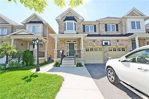 4 Bedroom Semidetached House with Side Enterence