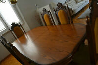 Mint Condition Solid Wood Antique Table, Chairs and Hutch