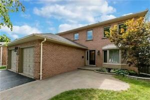 Bright And Spacious House On A Treed Lots In A Quiet Crescent