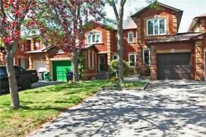 4 Bedroom Townhome + Fin Bsmnt In Central Mississauga