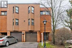 4+1 beds, 2 baths Condo Townhouse at 24 LOW MEADOWAY WAY,
