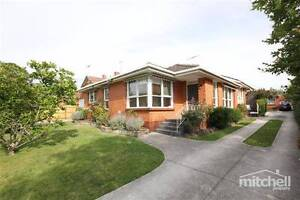 Large front unit with room to move! Camberwell Boroondara Area Preview