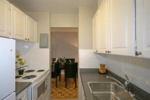 2 BR - Eglinton/Dufferin - Quiet Neighbourhood-Shopping-Schools!
