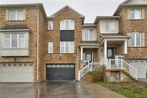 Bronte Creek Community** Freehold Townhouse** 3 Bed / 3 Bath**