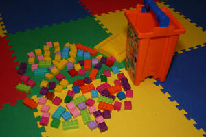 Mega Bloks, assorted building blocks