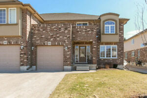 Beautiful Townhouse for Lease - Woodstock