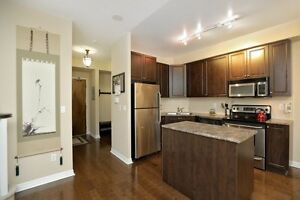 Condo For Sale In Mississauga! 1000sq ft Loft! Buyers Market!
