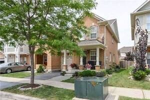 3 bedrooms townhouse for lease in milton