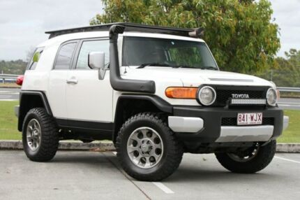 2011 Toyota FJ Cruiser GSJ15R White 5 Speed Automatic Wagon Springwood Logan Area Preview