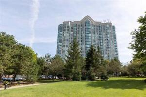 Famous Eagleridge complex surrounded by wooded ravine!
