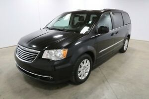 2014 Chrysler Town & Country TOURING 3rd Row,  Back-up Cam,  Blu