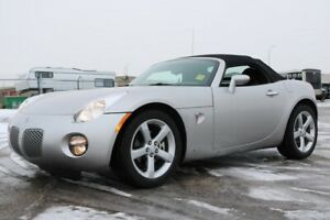 2008 Pontiac Solstice CONVERTIBLE Accident Free,  A/C,