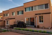 Spacious 2 Bdrms 1 Bth + Den Stacked Townhouse In Applewood Heig