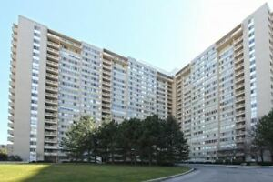 2 Bed + Den Condo W/ Lrg Balcony In The Heart Of Mississauga