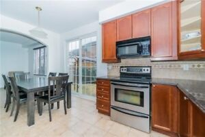 FABULOUS 4+1Bedroom Detached House @BRAMPTON $950,000 ONLY