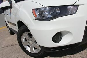 2010 Mitsubishi Outlander ZH MY10 LS White 5 Speed Manual Wagon Wolli Creek Rockdale Area Preview