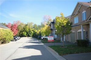 Stunning Executive Townhome In Summerhill Estates