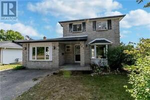 275 Nelson St Barrie Ontario Must see  house!