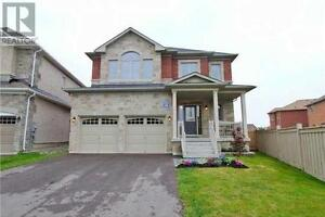 1202 Mccron Cres Newmarket Ontario Beautiful House for sale!