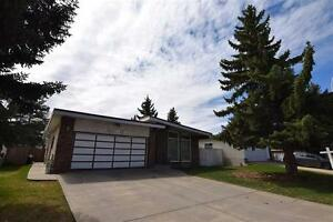 5 Bedroom Bungalow on Greenbelt, MOVE IN to this FAMILY Home!!