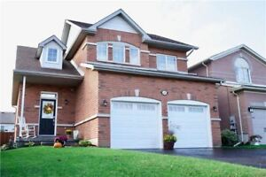 S4257659  -Beautiful Home With A Full 2 Car Garage.