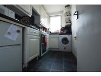 STUDENTS 17/18: Modernised 3 bed HMO flat with separate lounge available September NO FEES!