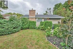 136 HILLCREST DR Whitby, Ontario