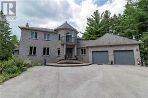 1031 KIRKWALL RD Hamilton, Ontario