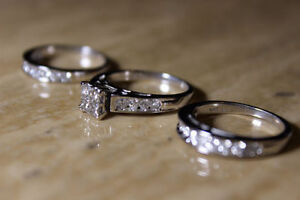 Mint Beautiful Women's Wedding Set! (white gold diamond rings)