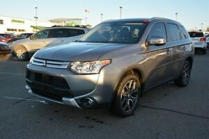 2015 Mitsubishi Outlander GT AWD V6 Accident Free,  Leather,  He