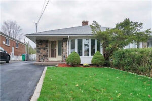 MUST SELL! MISSISSAUGA RENTAL INCOME HOME-MAKES $4,200 PER MTH!